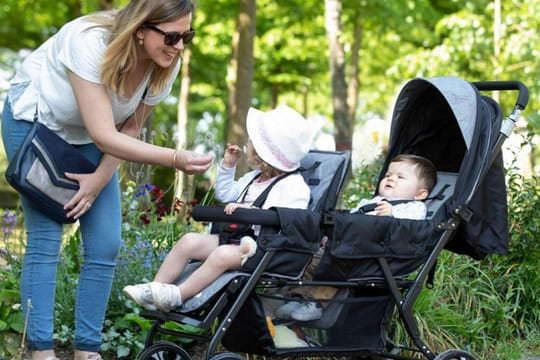 Best double stroller: models for twins or close babies