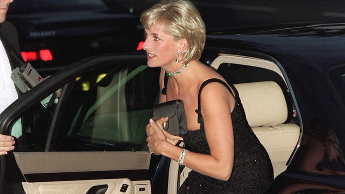 What is the secret of Princess Diana's favorite clutches