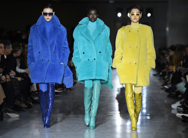 Colored fur, monochrome looks and animal print in the new Max Mara FW 2019/20 collection