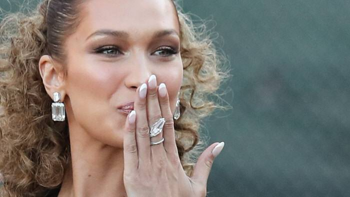 Perfect and chic French manicure: Betina Goldstein's guide