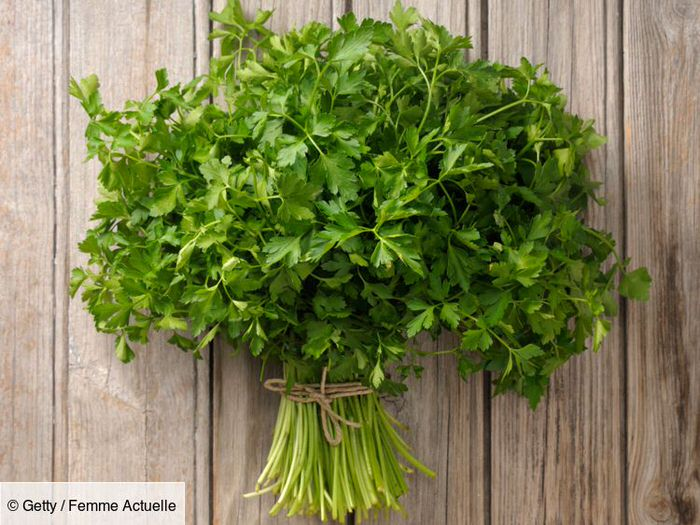 The health benefits of parsley, the vitamin herb