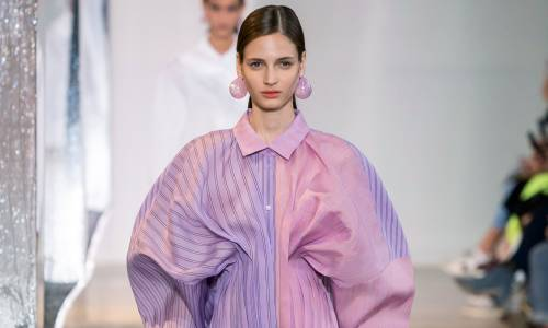 With what to wear dresses and blouses with puff sleeves this fall: 5 stylish looks