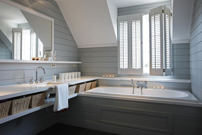 gray lining in the bathroom