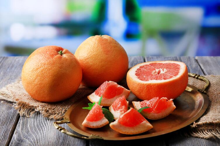 After a while, you will be surprised how sweet the grapefruit is.
