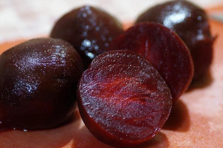 What are the health benefits of incorporating beetroot into your daily diet?